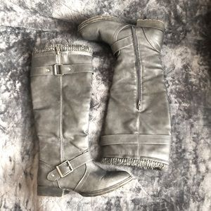 Shoes - Women's Tall Gray Knit Boots With Buckle Size 7